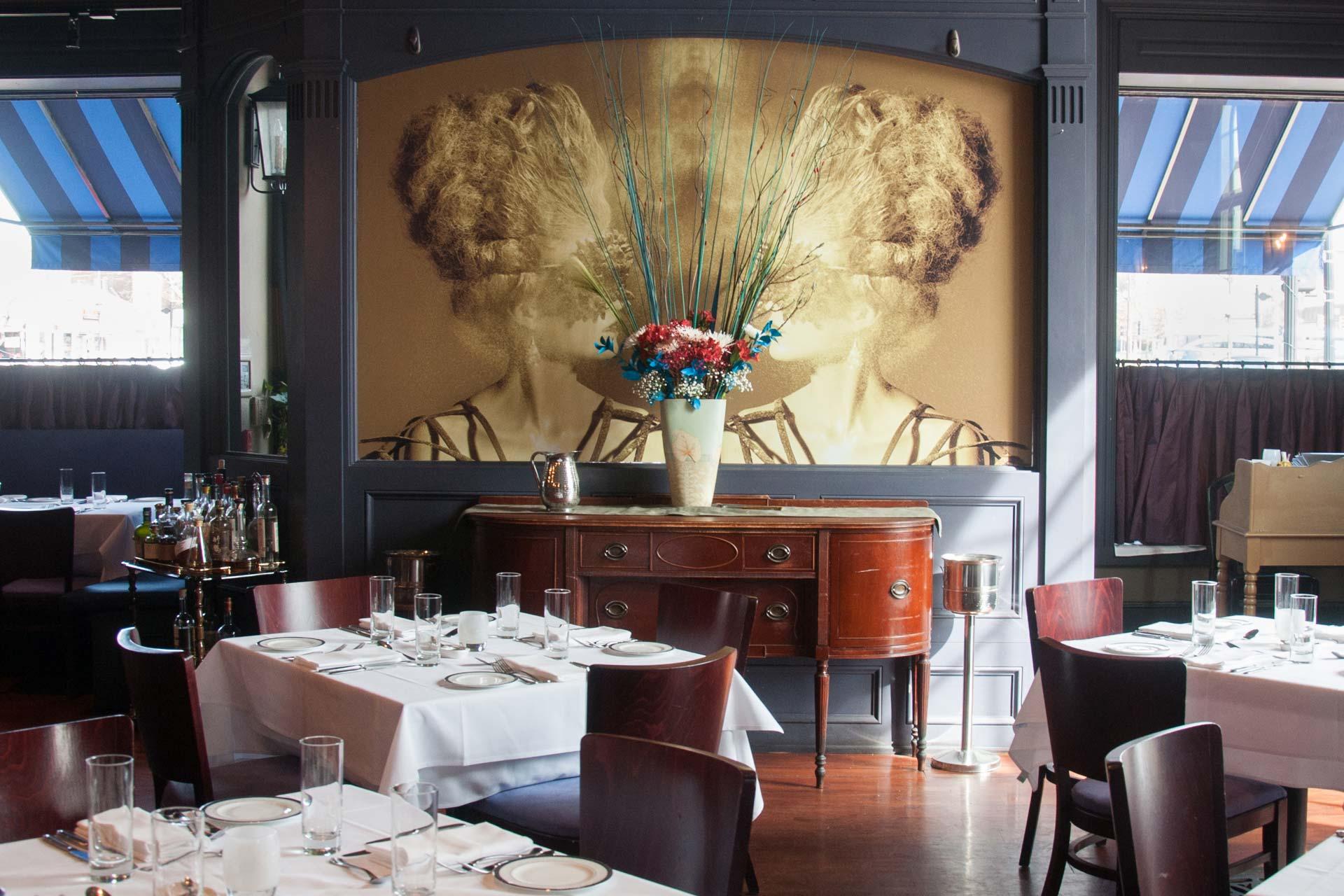 EDWINS Restaurant Interior